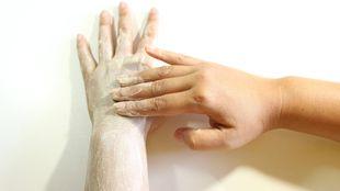 Scrub corpo ai cristalli di sal